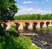Tiltas Kuldigoje