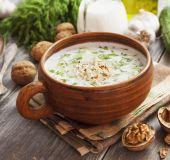 Tradicinė bulgarų sriuba Tarator