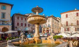 Asyžius, Piazza del Comune