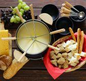 Tradicinis šveicariškas sūrio fondiu