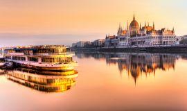 Plaukimas Dunojumi Budapešte