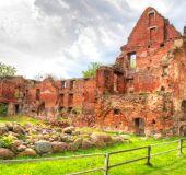 Įsručio pilies griuvėsiai