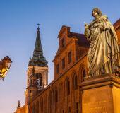 Paminklas M.Kopernikui Torunėje